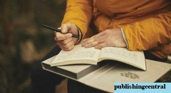Pengertian Buku Teks : Unsur, Fungsi, Manfaat dan Jenisnya